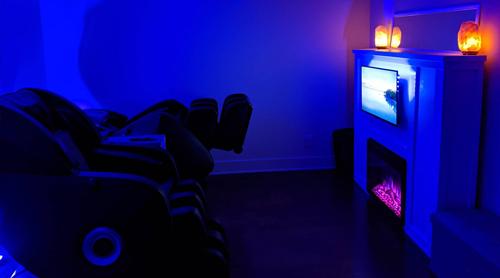 couples zero gravity massage room